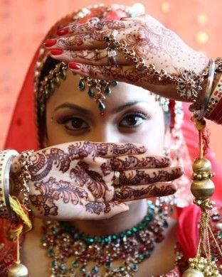 henna mehendi woman
